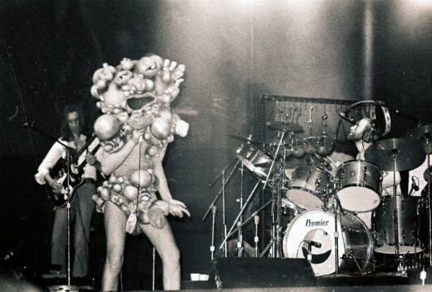 Genesis live in 1974 (Photo from Wikipedia)